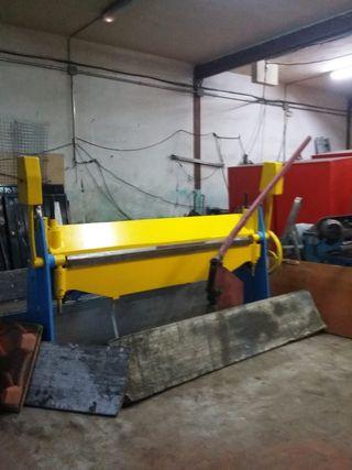 Plegadora manual de 2 metros