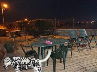 Mesa,sillas y hamacas Jardín.