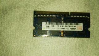 una memoria ram ddr3,4Gb