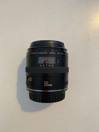 Objetivo Canon Compact-Macro Lens EF 50mm
