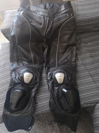 pantalon de cuero de moto