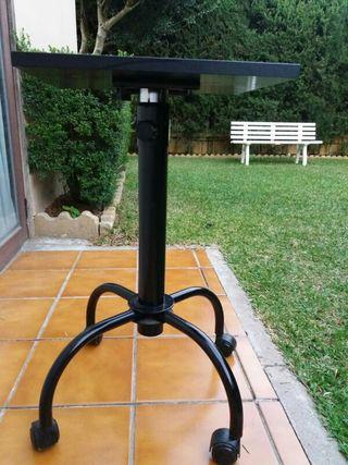 mesa negra con ruedas p tv distintas alturas