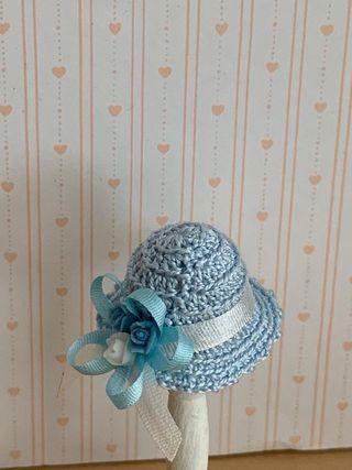 Casa de muñecas. Sombrero decorar habitación