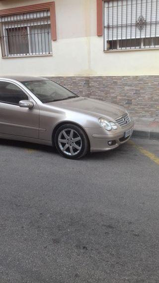 Mercedes-Benz C 220 2005