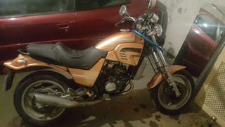 moto 125 cc cagiva de 2 tiempos potente