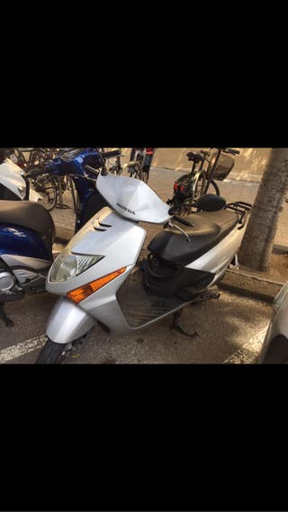 Moto honda lead 100cc