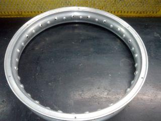 Llanta Akront aluminio 18'' Bultaco Pursan