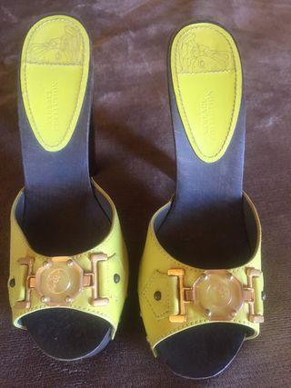 Zapatos de tacón Versace