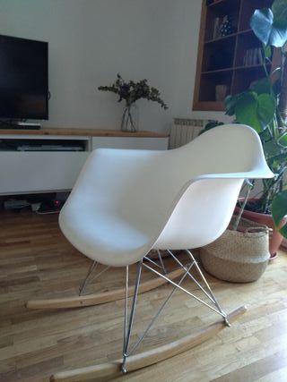 Mecedora Eames