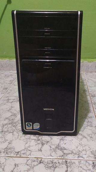Torre PC Medion Quad Core 2.5 GHz Intel