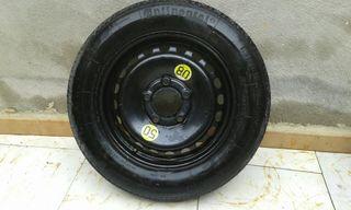 rueda de repuesto coche