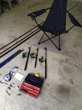 7 cañas de pesca y silla plegable