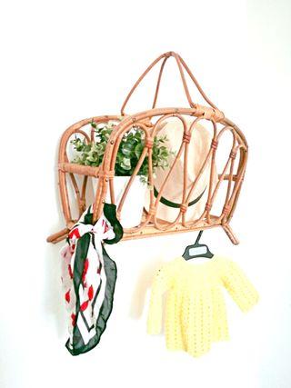 Revistero-perchero bambú retro años 50