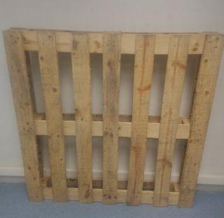 Palet madera maciza