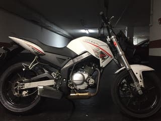 Motor hispania mh7 naked 125