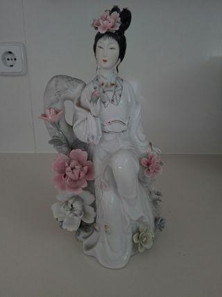 figura de cerámica decorativa