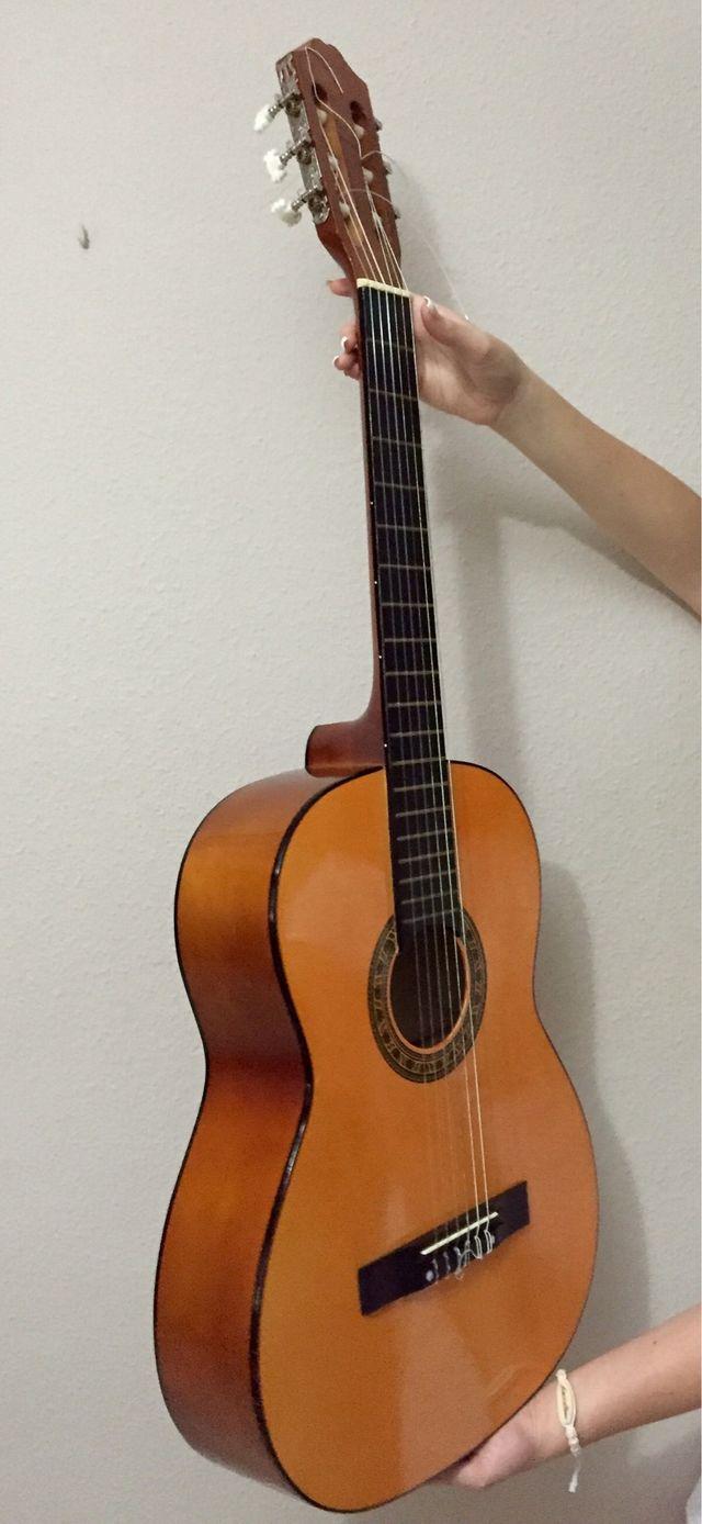 Guitarra clásica perfecto estado