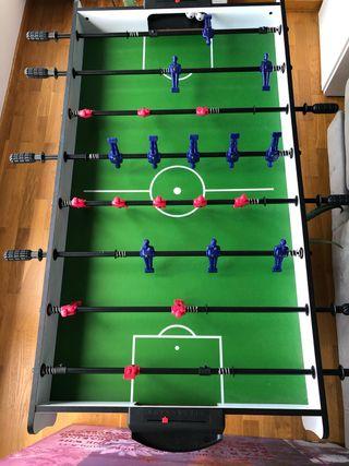 Futbolín con 2 usos