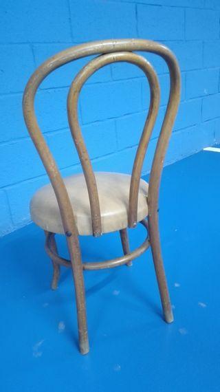 Antigua silla Thonet asiento acolchado