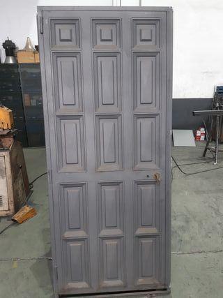 puerta de forja ciega de cuarterones nueva de liqu