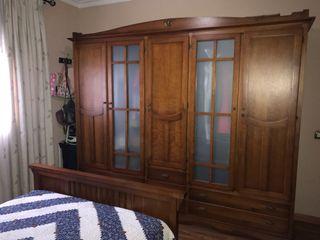 Dormitorio colonial nogal