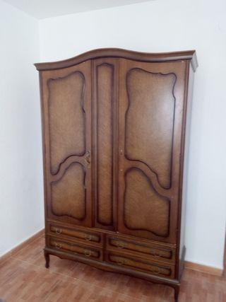 Armario dormitorio en madera