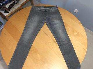 Vaquero Levis Jeans Gris Mujer