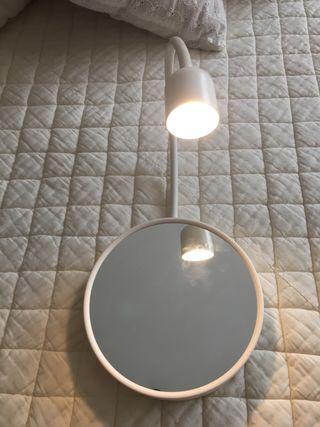 Espejo aumento con luz