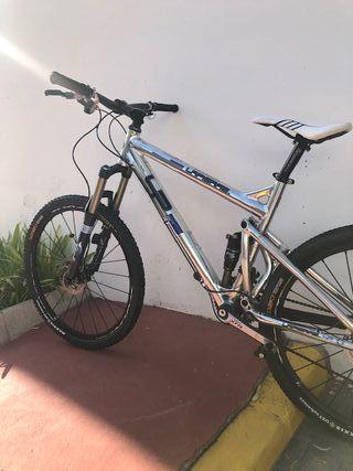 Bicicleta LAPIERRE doble suspensión 26'