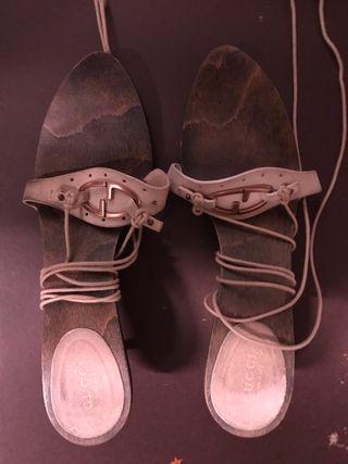 Sandalias de ante beig