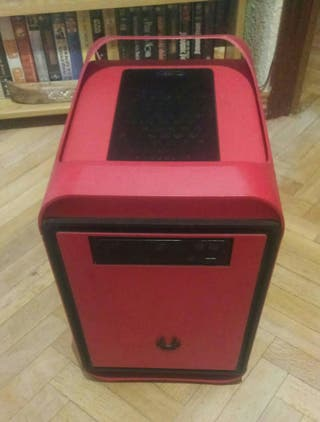 Mini torre color rojo gaming
