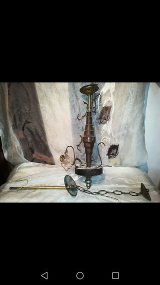 Antigua lámpara para piezas