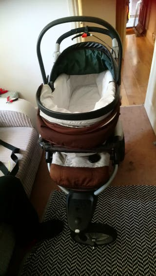 brown carry cot buggy