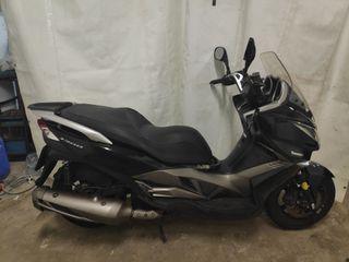 kawasaki J 300 ABS scooter maxiscooter