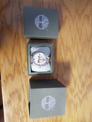 Reloj Timberland con correa de cuero