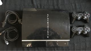 PlayStation 3 FAT + 2 mandos