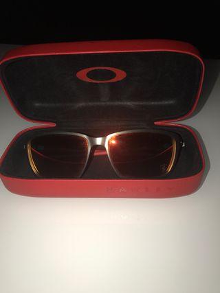Gafas Oakley modelo Ferrari