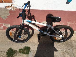 Bicicleta BMX Btwin Wipe 3 casi nueva.