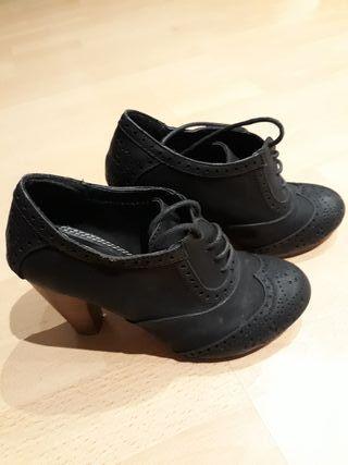 Zapatos tacón número 35