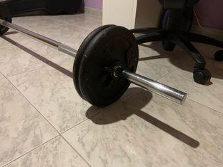 Pesas y barra fitness