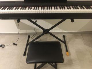 Piano YamahaP-125, con accesorios