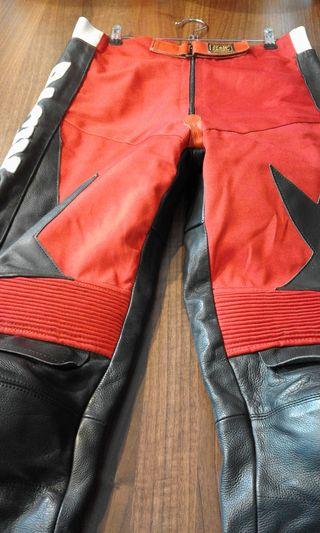 pantalon moto piel