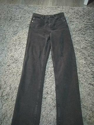 Pantalones de cintura alta.