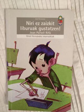"""libro """"niri ez zaizkit liburuak gustatzen"""""""