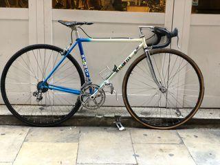 Bicicleta carretera clásica Biondi