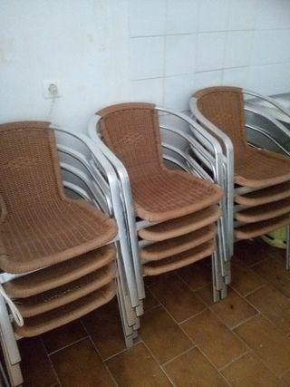 sillas alumino y mimbre