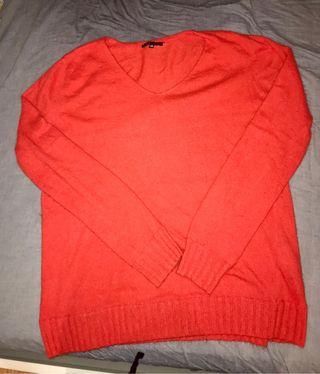 Jersey rojo oversize. Urge venta por mudanza