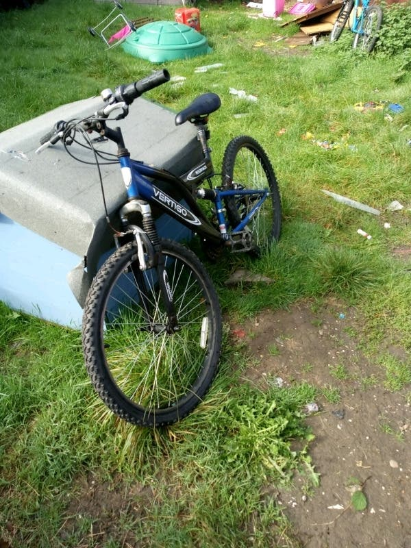 a blue men's mountain bike for sale £48