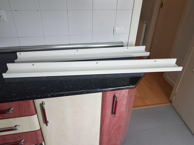 Estantes blancos para cuadros Ribba Ikea