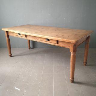 Mesa grande de pino maciza vintage